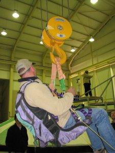 Willem tests the indoor dish crane