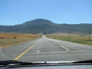 Heading towards the Piekenierskloof Pass