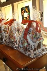 Knusperhäuschen - gingerbread houses - aren't they ADORABLE?!