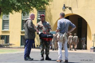 Lt Col Johan Conradie instructing the medic