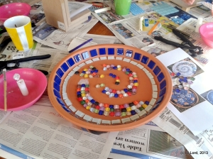 My second mosaic project was more ambitious - a birdbath