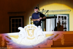 Hugh Veitch of the Cape Town Highlanders is the Lone Piper, this year ontop of the Kat balcony