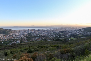 Early morning view from Tafelberg Road across the Mother City