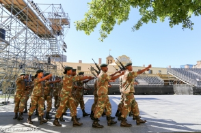 The Precision Drill Squad of the SA Army's School of Infantry runs through their drill with R4 assault rifles